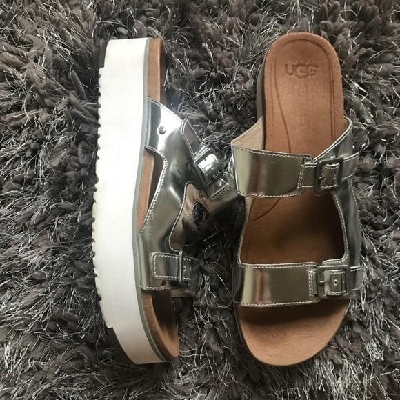 UGG ARDYNE Silver Metallic Flatform Sandals 10